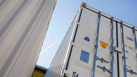 Containerlagerung durch Umzüge Klaus in Düsseldorf.