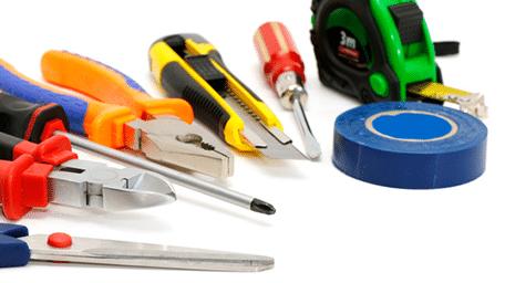Unsere geschulten Fachkräfte montieren Ihre Elektrogeräte, installieren Ihre Spüle etc. im Rahmen unseres Handwerkerservice.